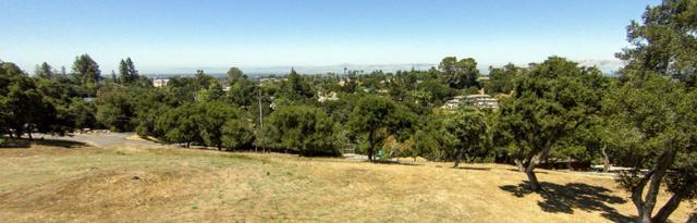 25400 La Loma Dr, Los Altos Hills, CA 94022