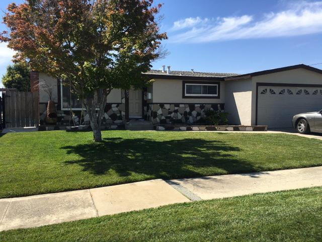 1262 Summit Dr, Salinas, CA 93905