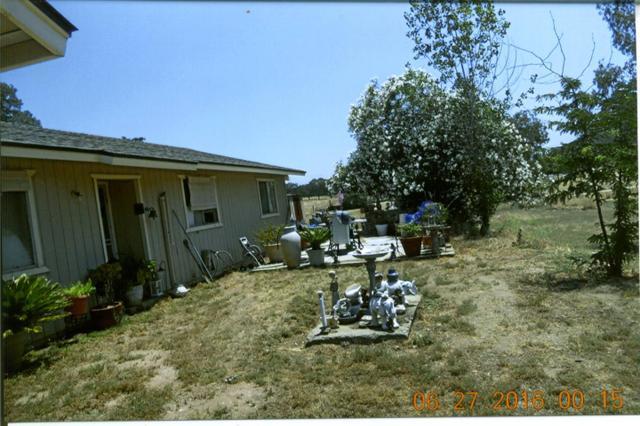 27762 Twin Ponds Rd, Clovis, CA 93619