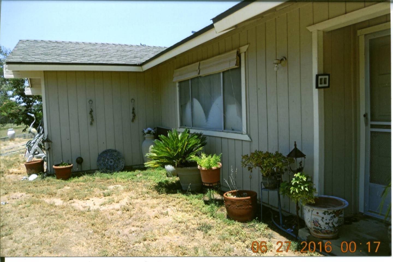 27762 Twin Ponds Road, Clovis, CA 93619