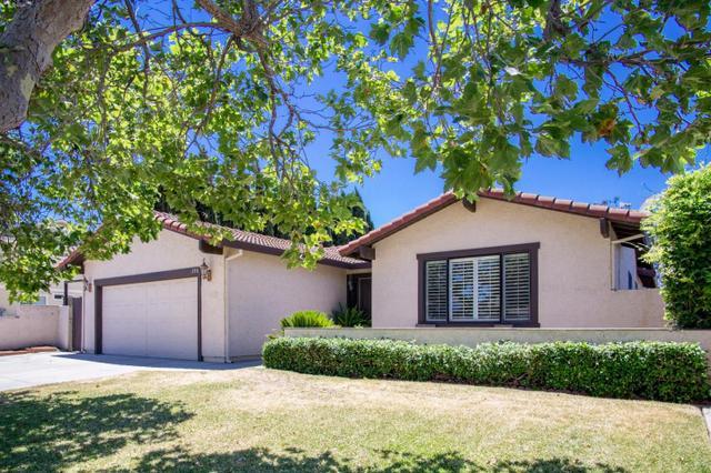 1390 El Toro Dr, Hollister, CA 95023
