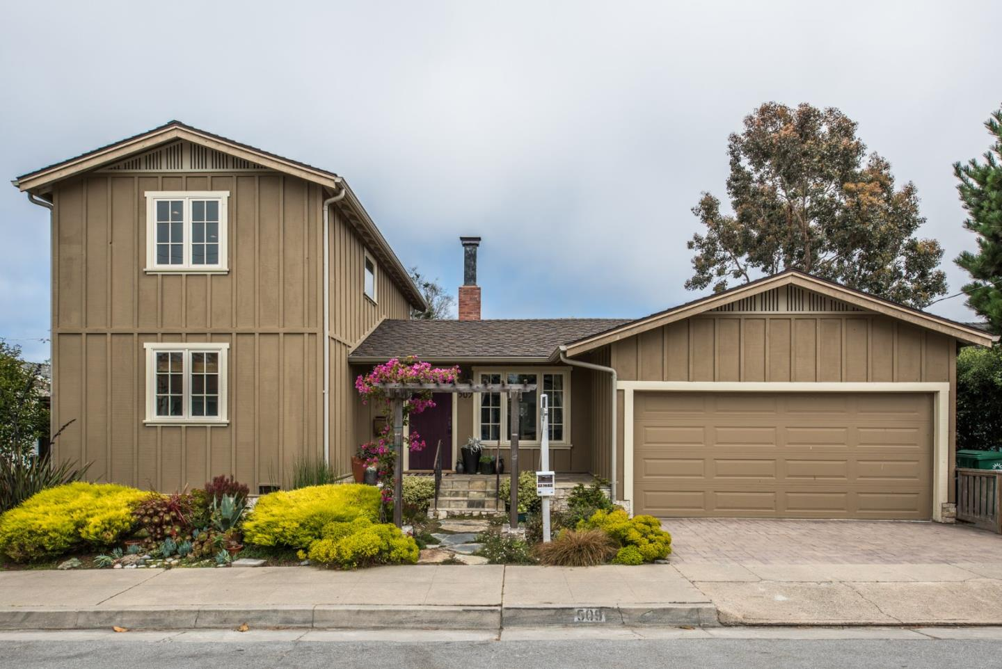 509 Willow Street, Pacific Grove, CA 93950