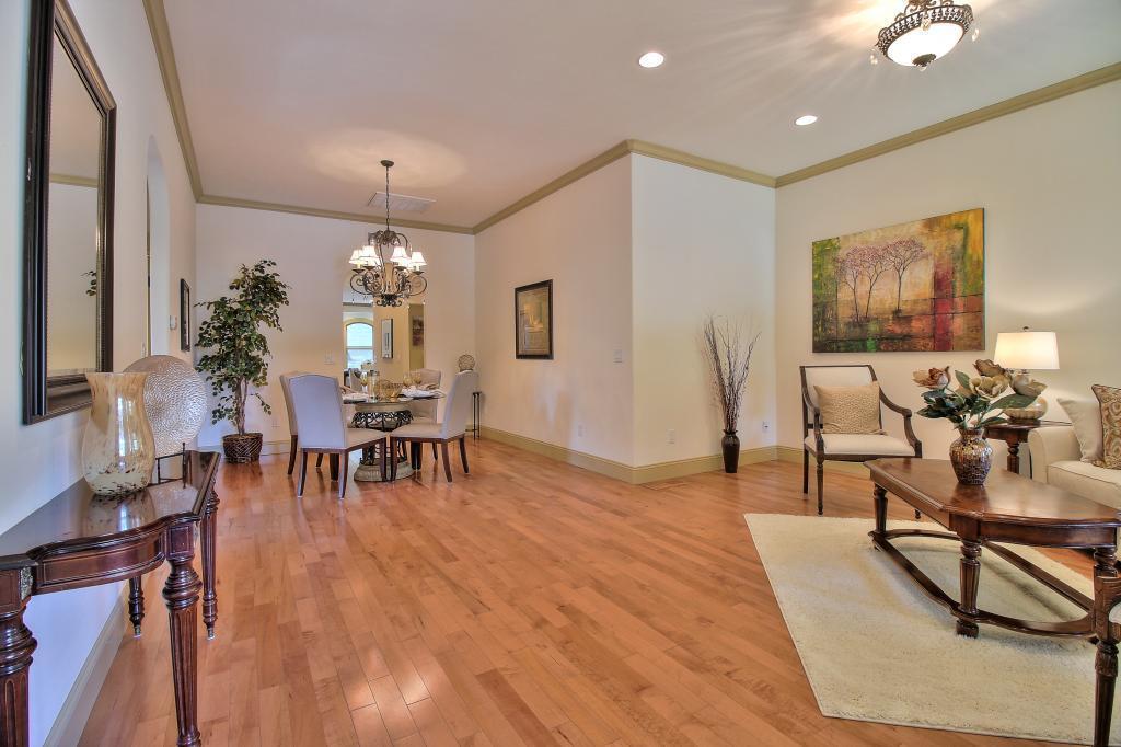 33 Walnut Avenue, Los Gatos, CA 95030
