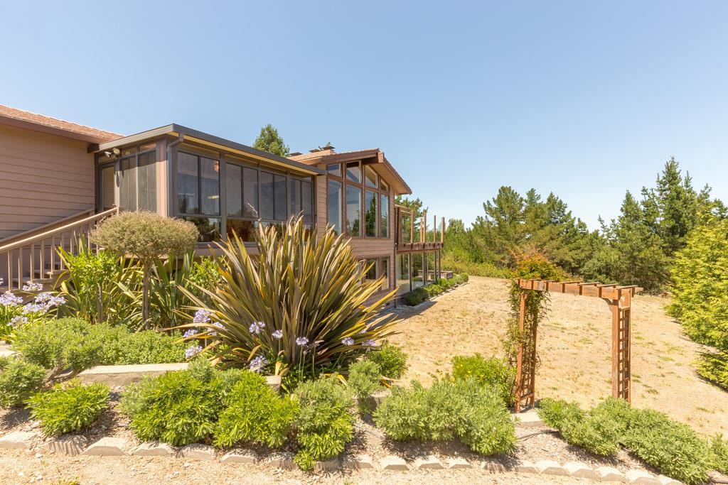 26335 Jeanette Rd, Carmel Valley, CA 93924