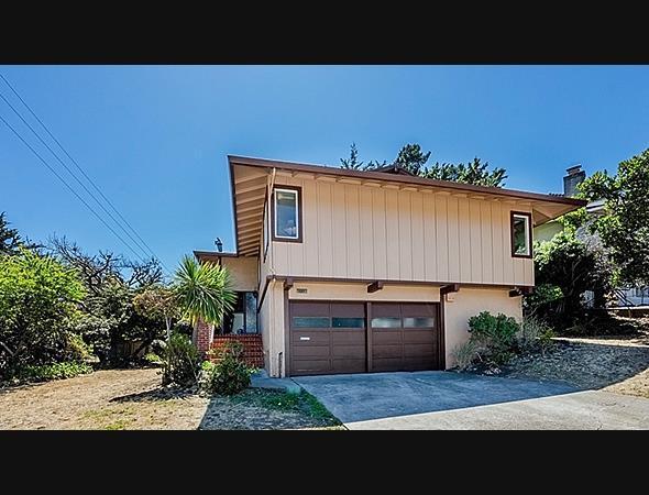 1011 Big Bend Dr, Pacifica, CA 94044