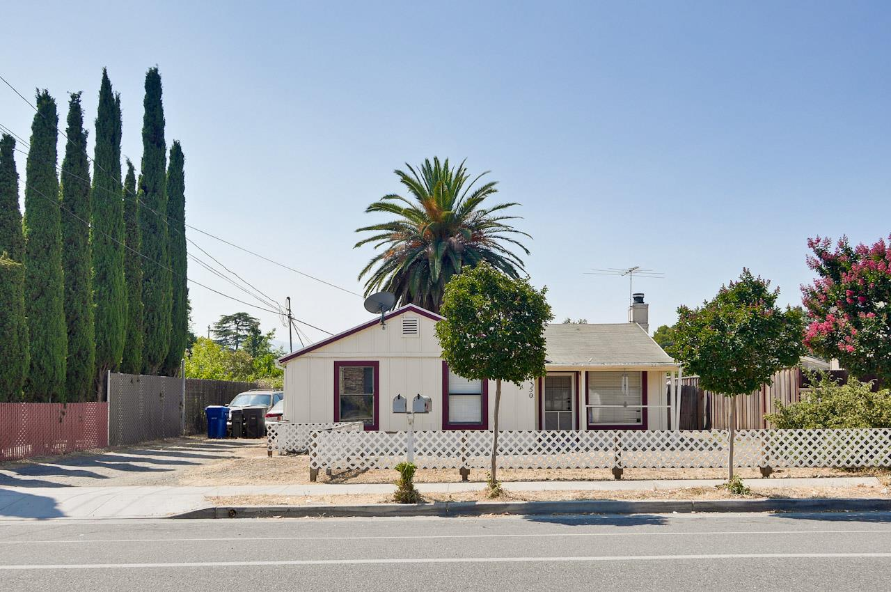 1350 Westmont Ave, Campbell, CA 95008