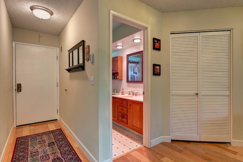 26 Pelican Lane, Redwood City, CA 94065