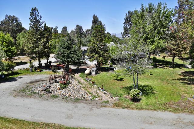110 Lone Tree Rd, Hollister, CA 95023