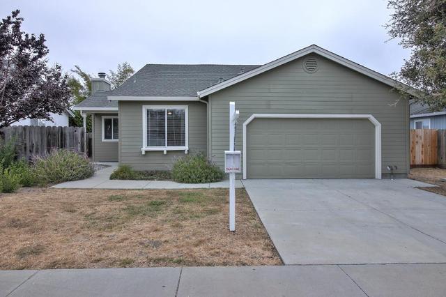 123 Onyx Dr, Watsonville, CA 95076