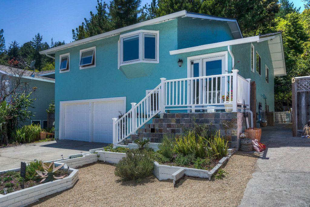 1261 Oddstad Boulevard, Pacifica, CA 94044