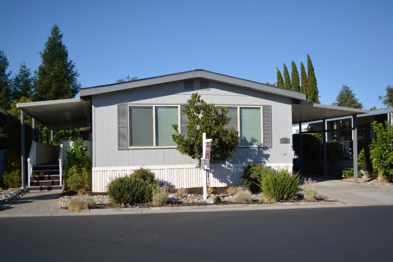 182 Walnut Dr, Morgan Hill, CA 95037