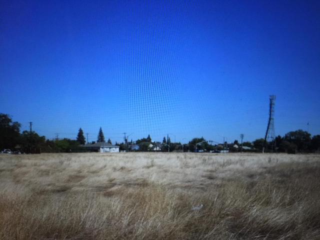 7825 Robinette Rd, Sacramento, CA 95828