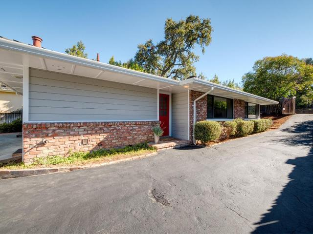 2105 Santa Cruz Ave, Menlo Park, CA 94025