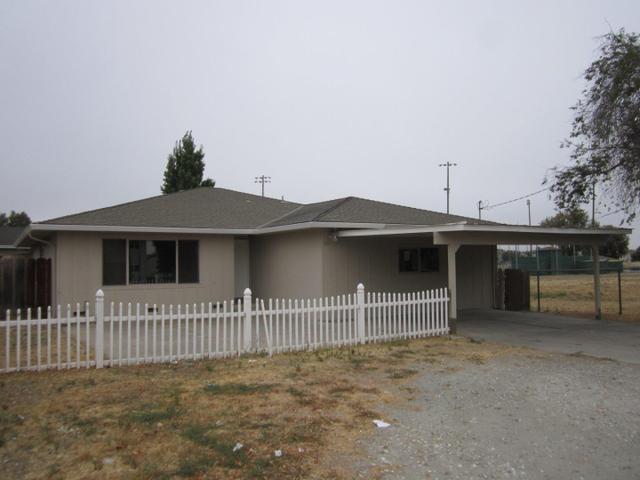 901 Hillcrest Rd, Hollister, CA 95023