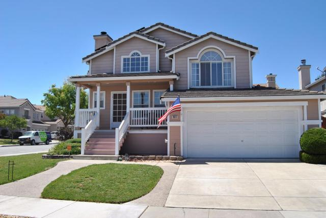 9011 Loganberry Dr, Gilroy, CA 95020