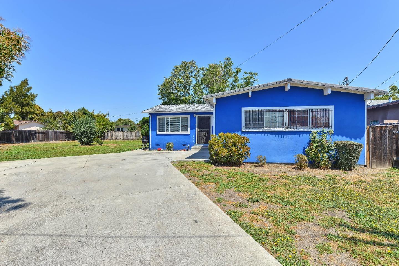 119 Lotus Way, East Palo Alto, CA 94303