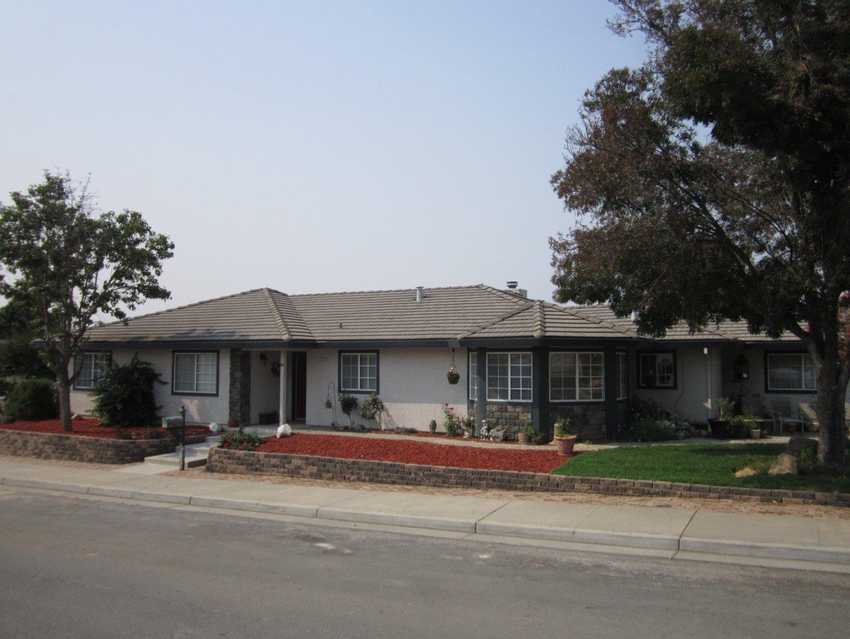 1290 Forest Creek Dr, Hollister, CA 95023