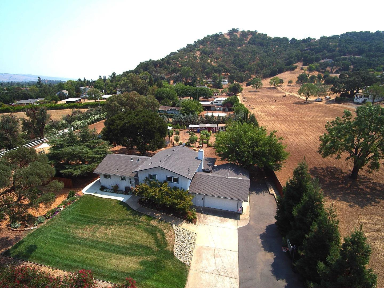 1040 W Edmundson Ave, Morgan Hill, CA 95037