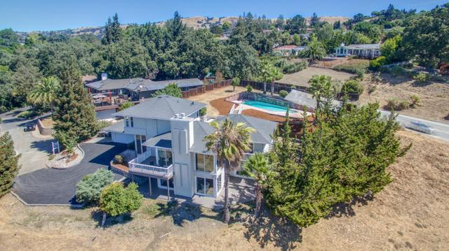 16700 Gnarled Oak Ln, Morgan Hill, CA 95037