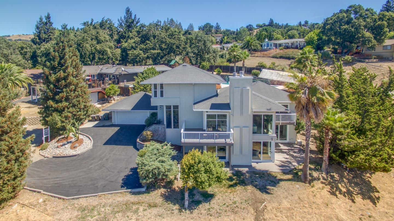 16700 Gnarled Oak Lane, Morgan Hill, CA 95037