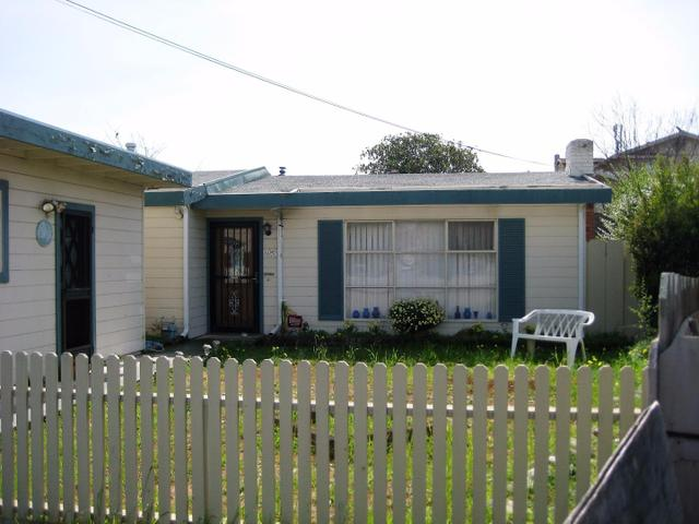 1050 Douglas Ct, Seaside, CA 93955