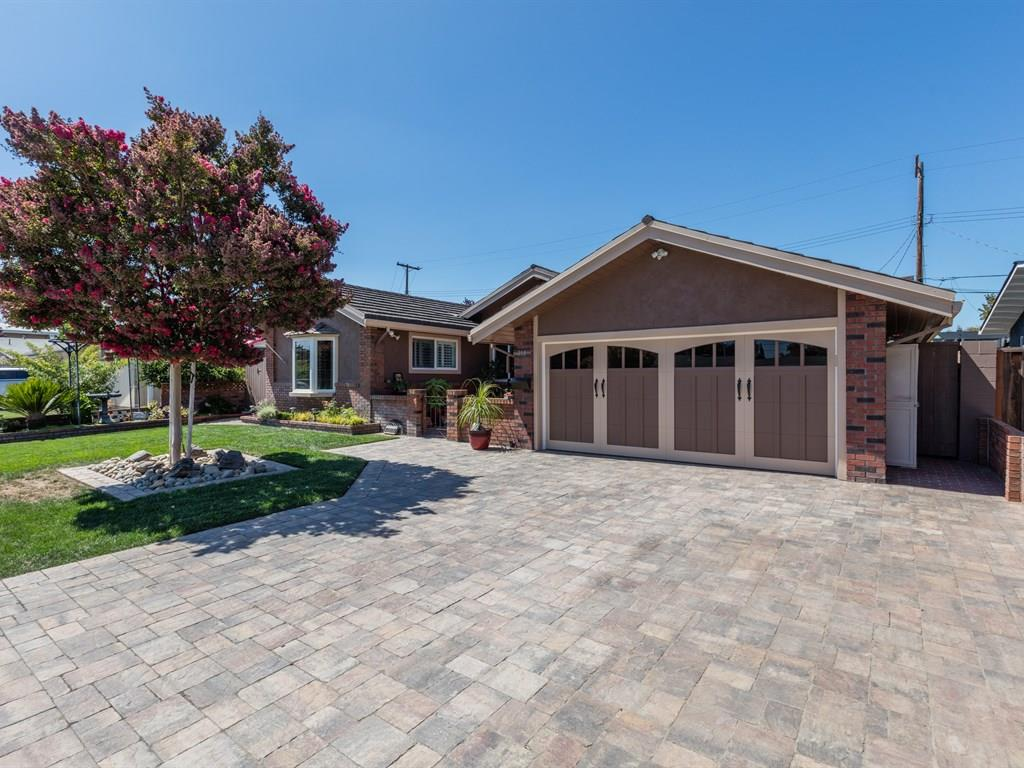 318 Los Padres Boulevard, Santa Clara, CA 95050