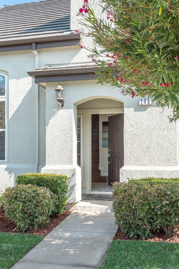 249 W Ferndale Avenue, Sunnyvale, CA 94085