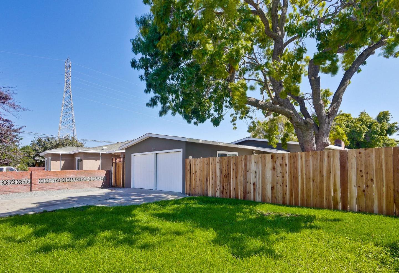 2678 Fordham Street, East Palo Alto, CA 94303
