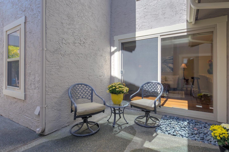 26 Crippleridge Court, San Mateo, CA 94402