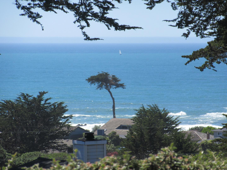 843 Stetson Street, Moss Beach, CA 94038