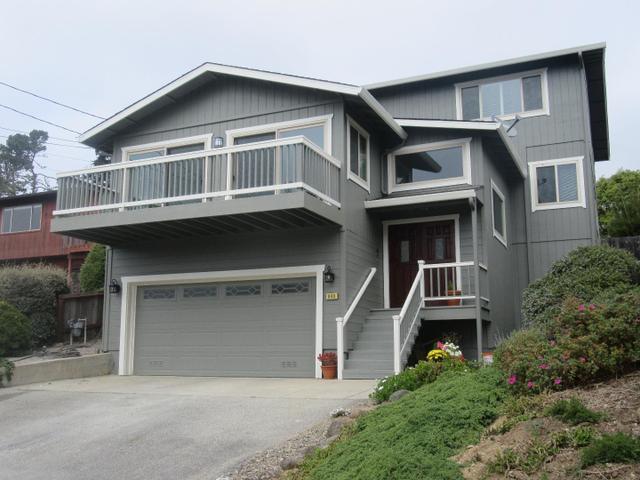 843 Stetson St, Moss Beach, CA 94038