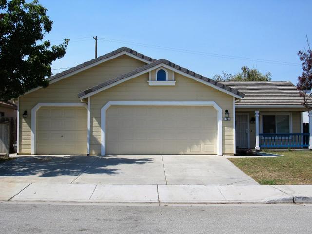 1260 Alder St, Hollister, CA 95023