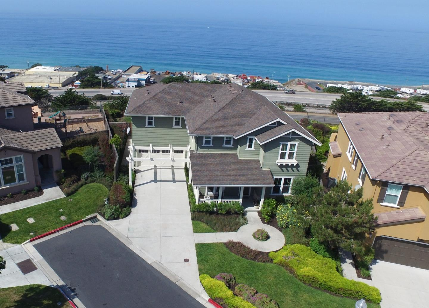 6 Misty Harbor Ct, Pacifica, CA 94044