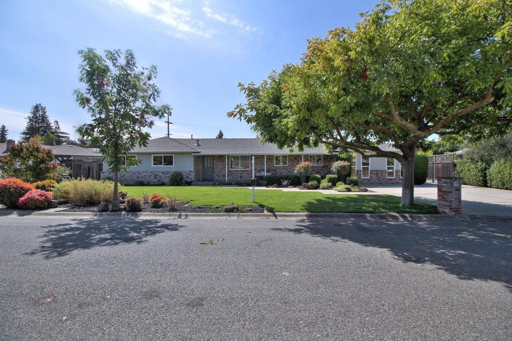 1572 Landell Court, Los Altos, CA 94024