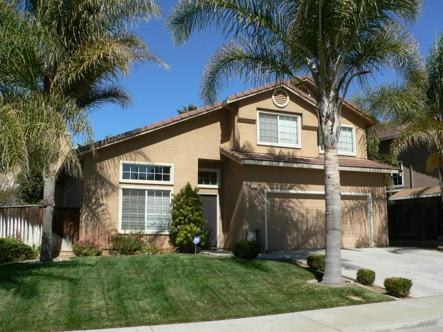 1631 Mimosa St, Hollister, CA 95023