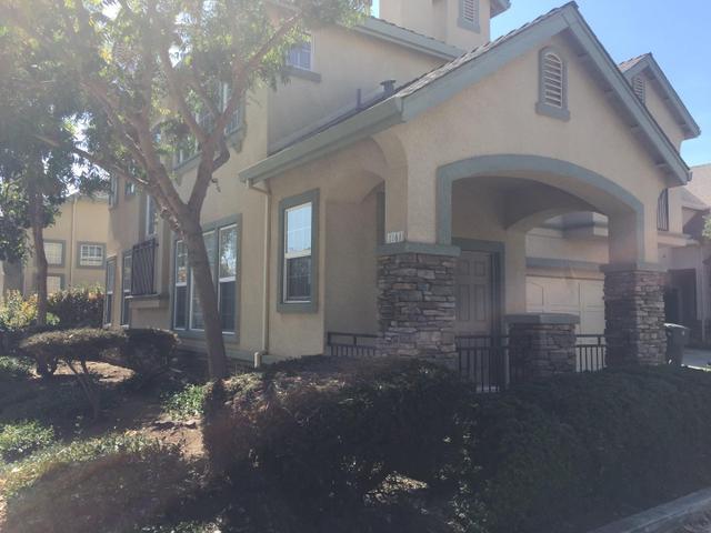 1861 Bradbury St, Salinas, CA 93906