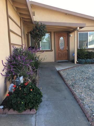 640 Yreka Dr, Salinas, CA 93906