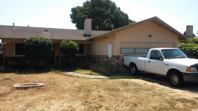 770 Schembri Ln, East Palo Alto, CA 94303