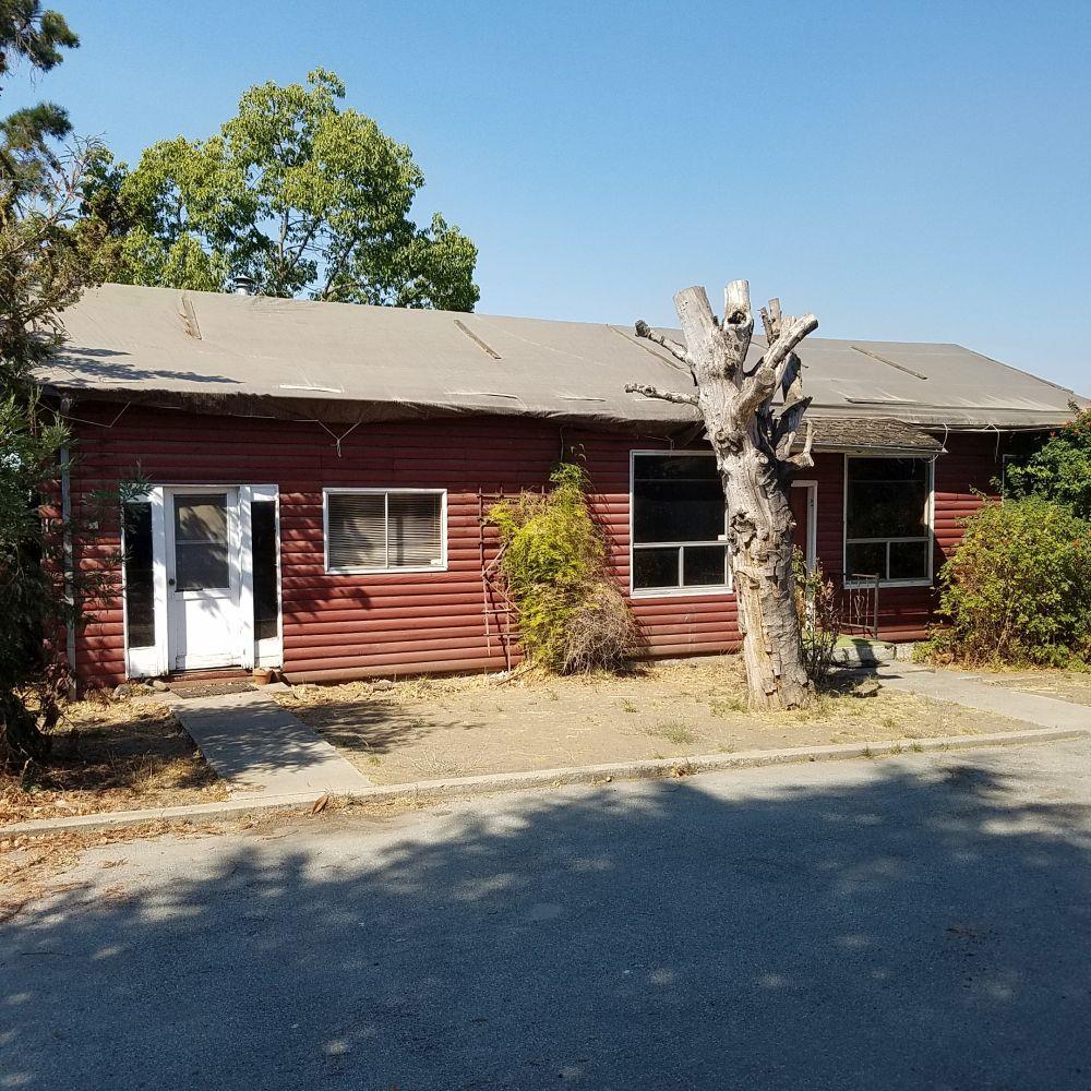 1160 Sunnyslope Rd, Hollister, CA 95023