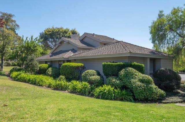 138 White Oaks Ln, Carmel Valley, CA 93924