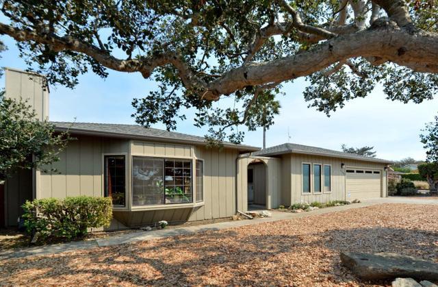 15249 Century Oak Rd, Salinas, CA 93907