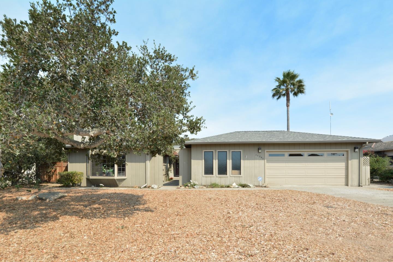 15249 Century Oak Road, Salinas, CA 93907