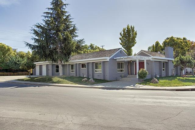 877 Brewington Ave, Watsonville, CA 95076