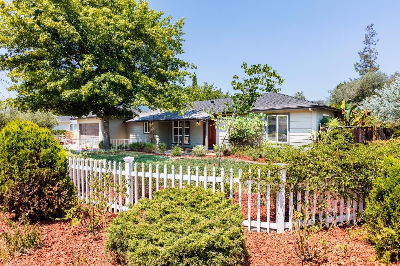 18471 Ravenwood Drive, Saratoga, CA 95070