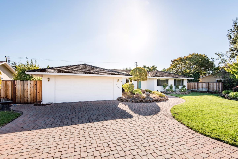 13724 Dolphin Drive, Saratoga, CA 95070