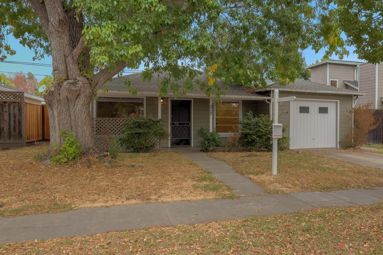 217 F St, Redwood City, CA 94063