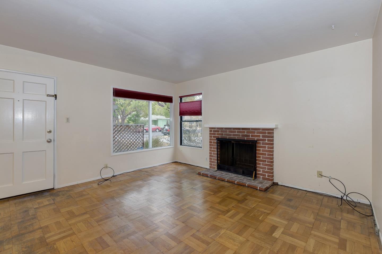 217 F Street, Redwood City, CA 94063