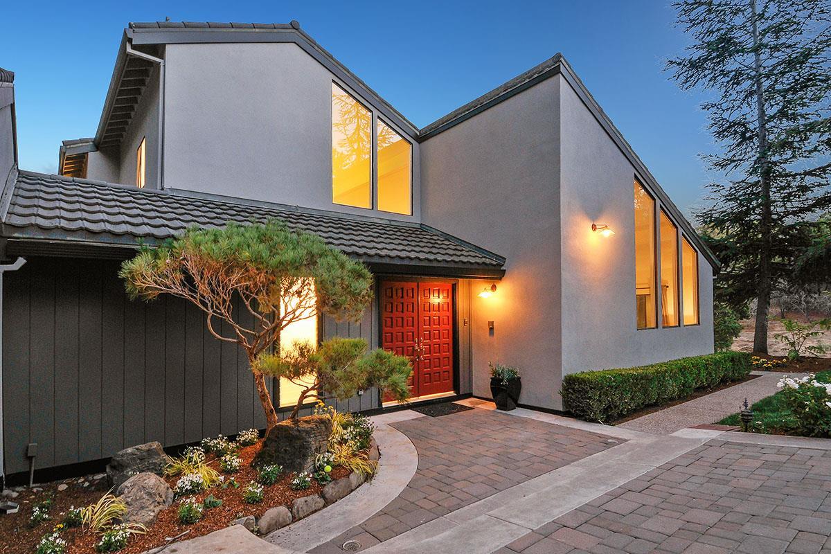 1020 Sharon Park Drive, Menlo Park, CA 94025