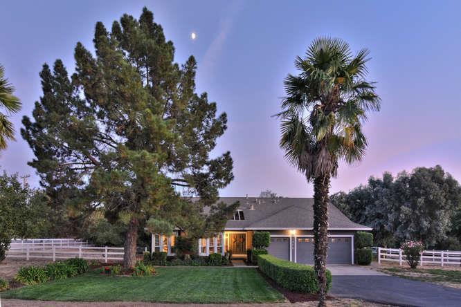 1670 Eberts Drive, San Martin, CA 95046