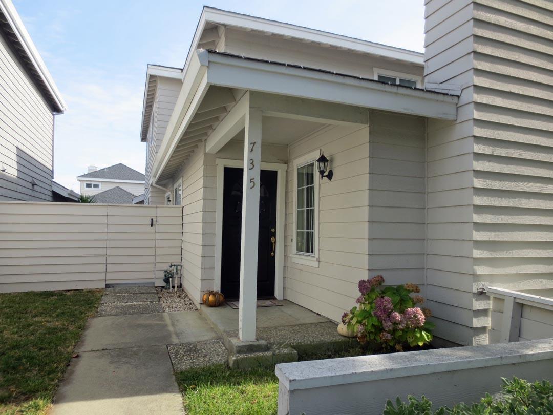735 Newport Circle, Redwood City, CA 94065